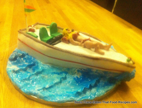 Speed Boat Cake http://www.been-there-eaten-that-food-recipes.com/Chantilly.html
